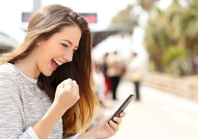 Ultra-connectés, mobiles, les jeunes candidats à l'emploi voient leur attentes évoluer. © Antonioguillem