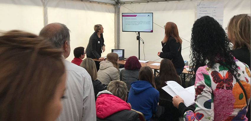 Atelier animé par des conseillers Pôle emploi de Reims, lors du Village des Recruteurs, le 19 octobre 2017. © Pôle emploi
