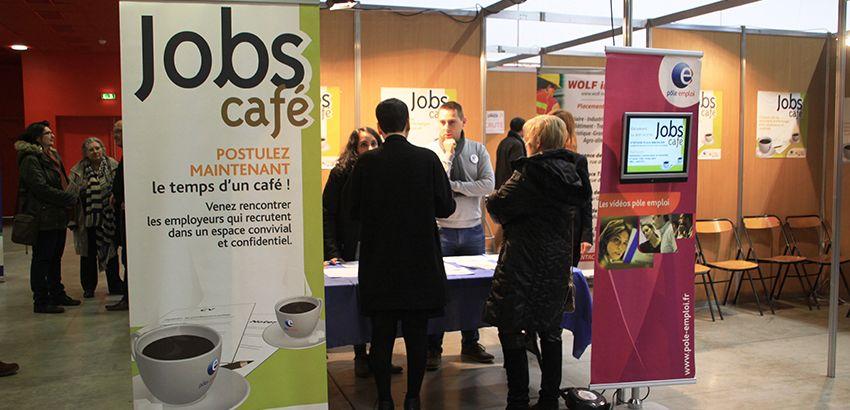 Stand Jobs Café de Pôle emploi.